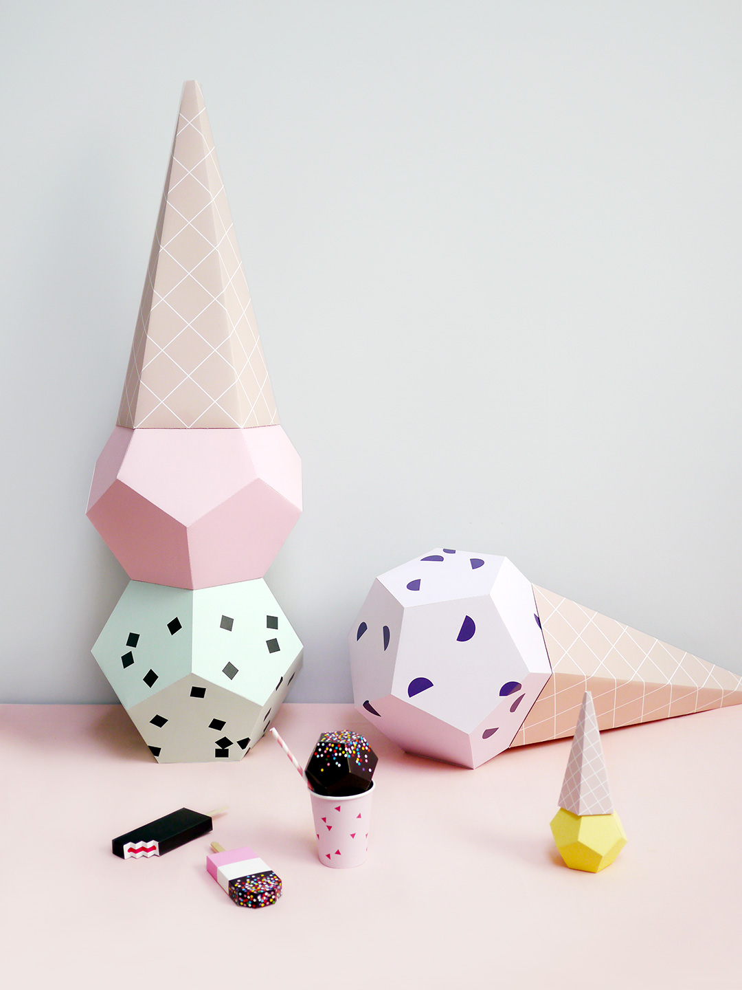 Giant Ice Cream Paper Sculpture Kit - Strawberry