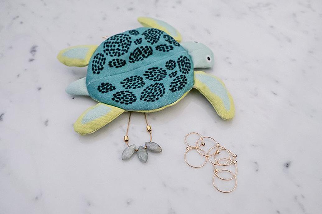 don-fisher-kid-turtle-purse-desc-1