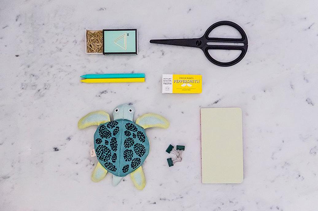 don-fisher-kid-turtle-purse-desc-3