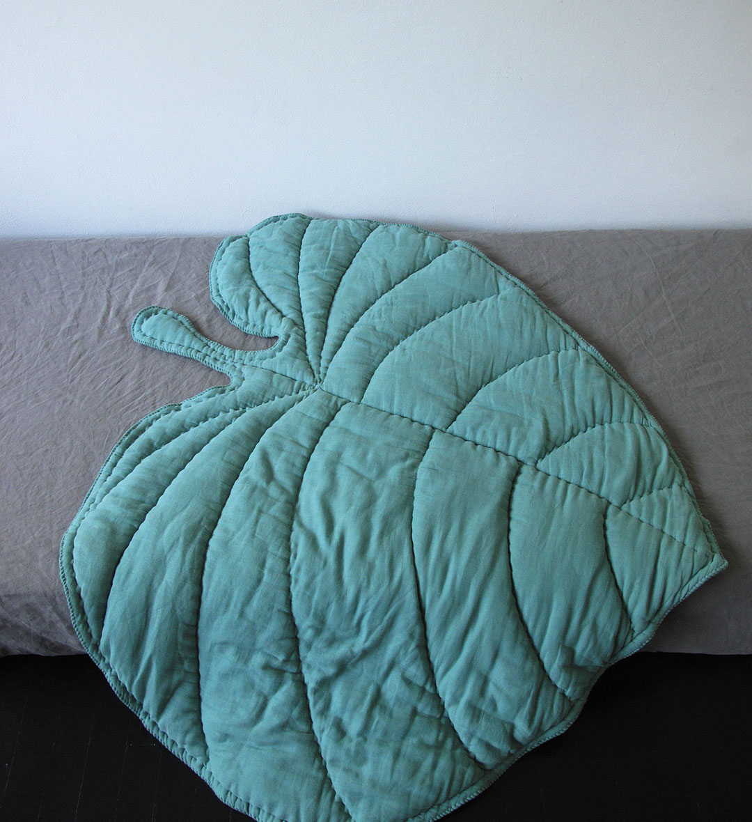 Leaf Blanket - Green