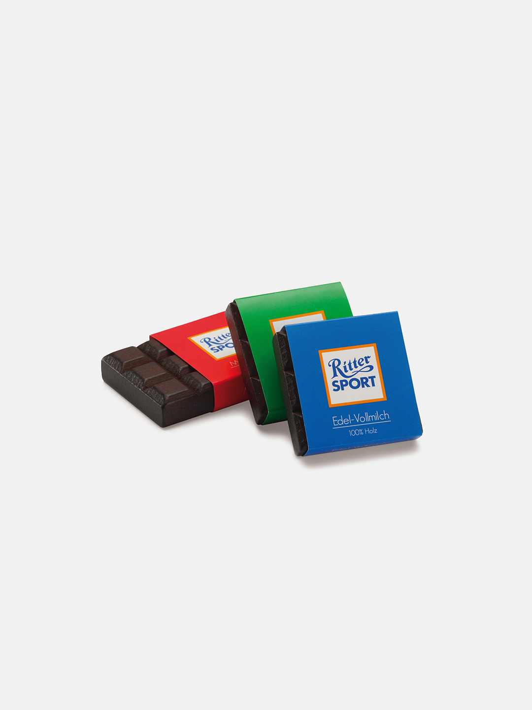 Realistic play food for toddlers – wooden Ritter Sport for play kitchen, eco-friendly and safe, made in Germany by Erzi.