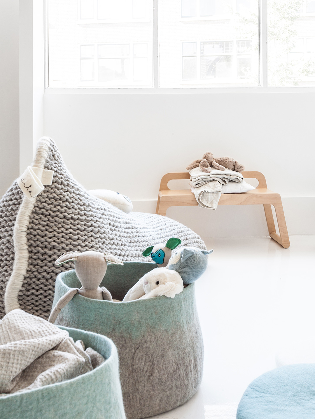Rafa kids furniture bb90 bench in natural plywood in modern nursery
