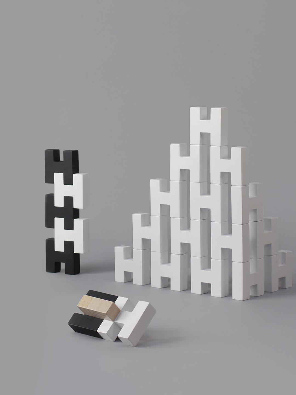 H Block - White