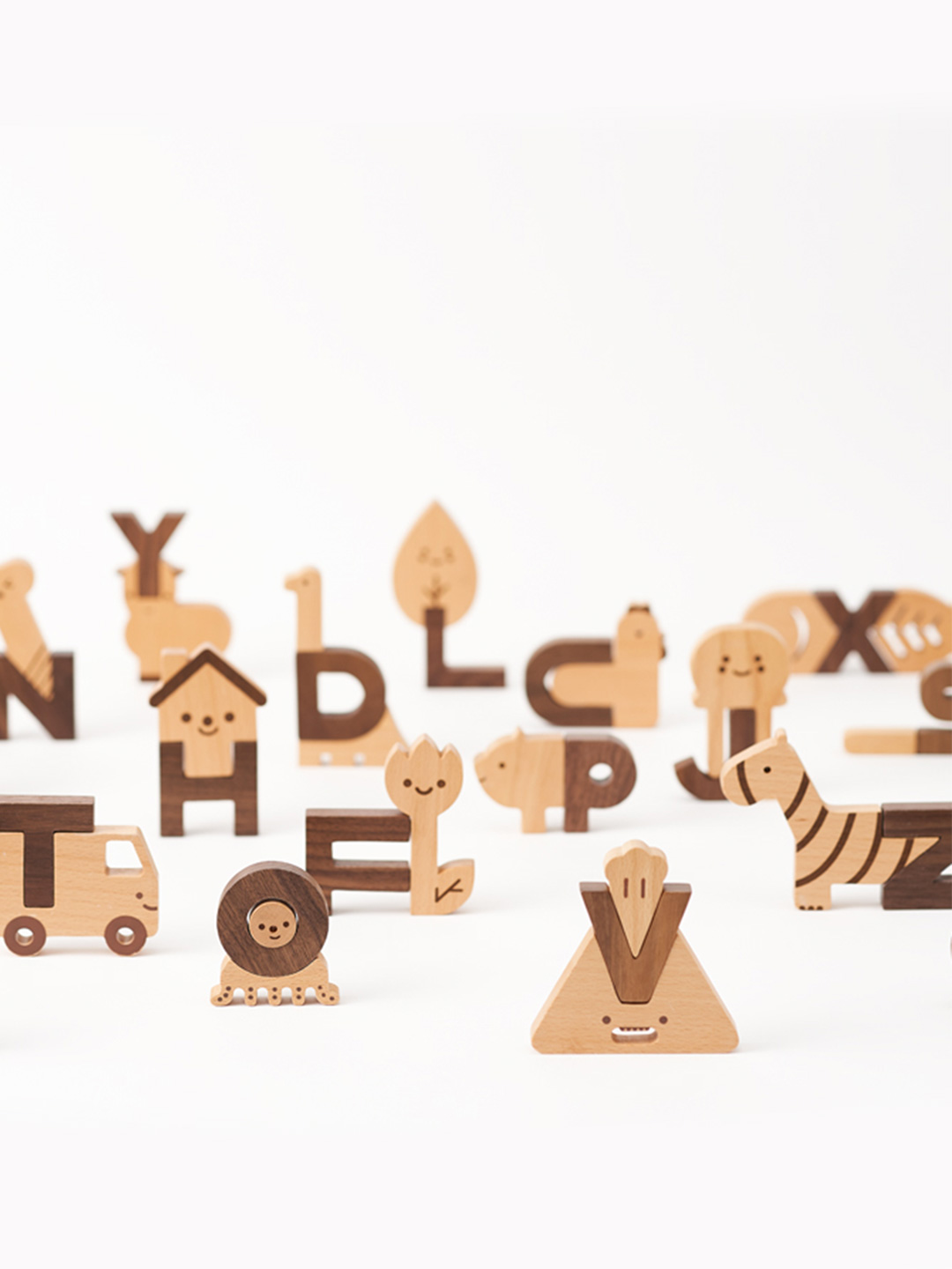 Oioiooi Alphabet Block Set