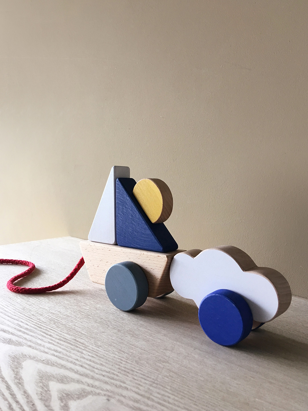 Boat & Cloud Pull Toy